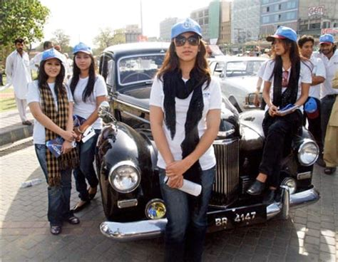 vintage car rally  lahore shopping festival  pakistan