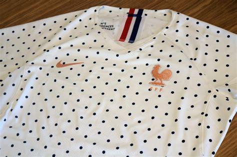 shopping le maillot exterieur blanc  pois bleus nike de