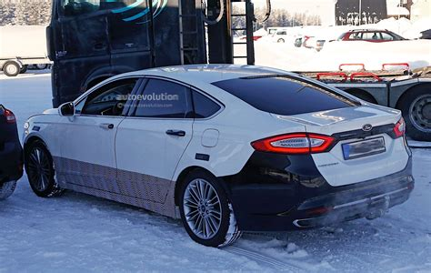 ford mondeo facelift spyshots reveal refreshed lights