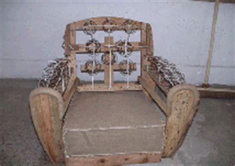 garnissage et remontage de la couverture cuir d un fauteuil club sofolk