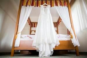 Ehevertrag Nach Hochzeit : was man nach der hochzeit mit seinem brautkleid machen kann hochzeitsmagazin und blog ~ Frokenaadalensverden.com Haus und Dekorationen