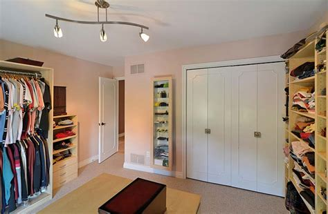 Rich Closet by Sublet Idea Rent One Of Your Rooms Out As A Closet For A