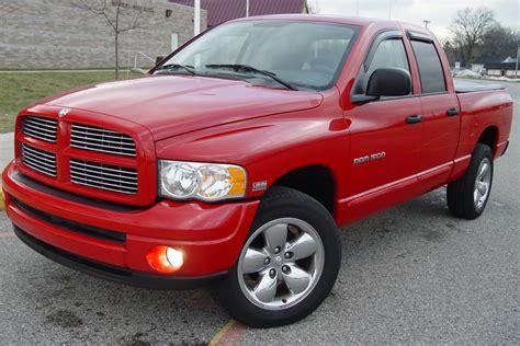 2005 Dodge Ram 1500 SLT QC Hemi 4x4 16,000 miles