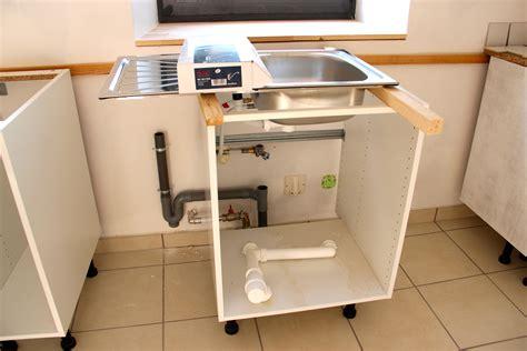simulation de cuisine evier lave vaisselle collection avec plombiers photo