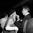 Robert Mitchum and wife Dorothy attend the Friars dinner ...