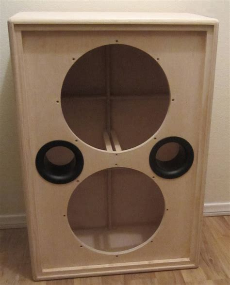 bass cabinet design the back panel showing the inlaid speakon connector layed