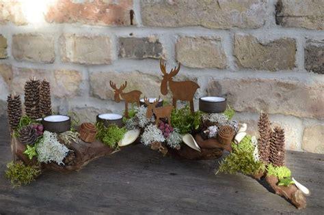 Weihnachtsgestecke Aus Holz by Adventsgesteck Elchgeschwister 2 Moneria Auf Dawanda