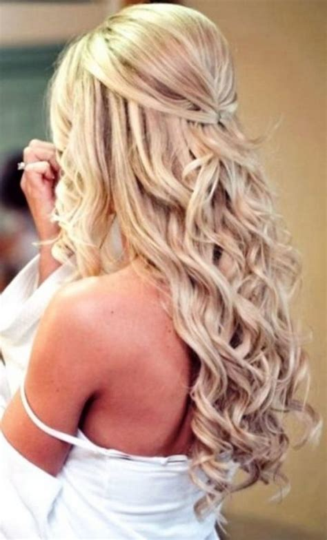 Have you been thinking about wearing your hair differently or need an idea for a fancy. Prom Hairstyles For Medium Hair Women | Hairstylo