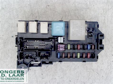Used Daihatsu Sirion 2 (m3) 1.3 16v Dvvt Fuse Box