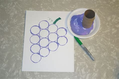 preschool food crafts purple grapes stamped with toilet paper roll to 223