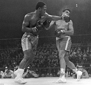 Joe Frazier dead: Boxing fans visit body of 1st man to ...