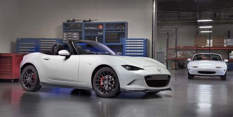 mazda maker mazda blings out mx5 miata for chi town 2016 mazda mx 5