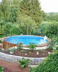 Kleiner Pool Für Terrasse : kleiner pool im gr nen garten pool f r kleinen garten garten und garten ideen ~ Orissabook.com Haus und Dekorationen