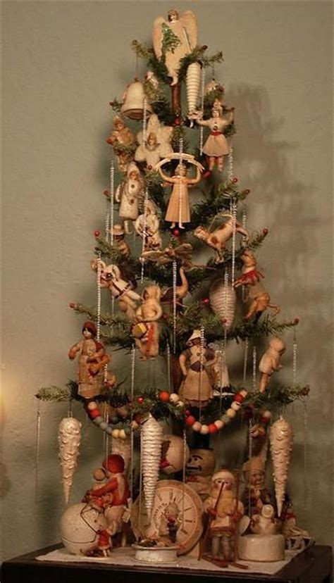 decorating a christmas tree to look old fashioned 47 gorgeous traditional tree ideas loombrand