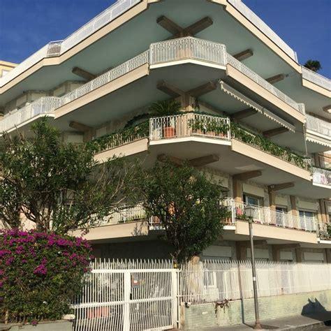 Appartamento Terrazzo by Appartamento Con Terrazzo A Napoli Cambiocasa It