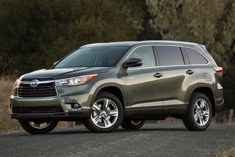 Fuel Efficient Suvs by Fuel Efficient And Family Friendly Used Suvs Carfax