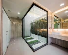bathroom ideas small bathrooms designs baño con jardin interior dikidu