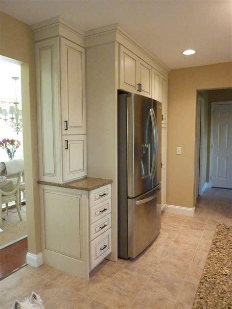 lots  storage kraftmaid marquette white cabinets