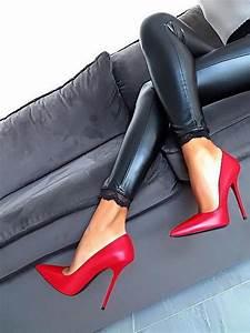 High Heels Auf Rechnung : 13 best nude nylons images on pinterest tights beautiful women and garter belts ~ Themetempest.com Abrechnung