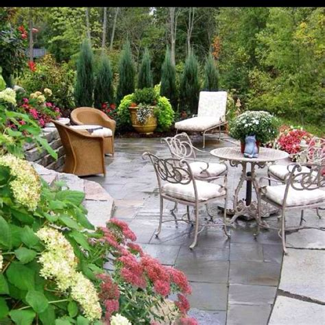 Steep Backyard by Best 25 Steep Backyard Ideas On Garden Ideas