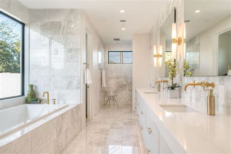 15+ Gorgeous Modern Main Bathroom Designs In Different Styles
