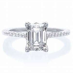 18K White Gold Emerald Cut Diamond Engagement Ring With