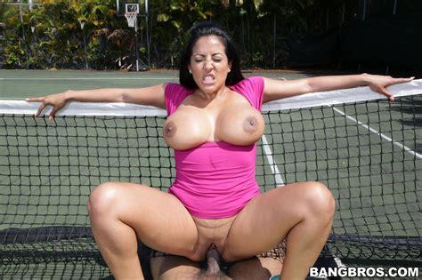 Kiara Mia Big Ass Milf Loves Big Black Dick Outdoor