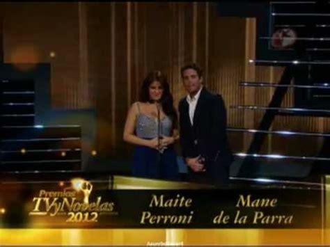 maite perroni y mane de la parra presentan el premio tvyn a mejor programa de tv restringida