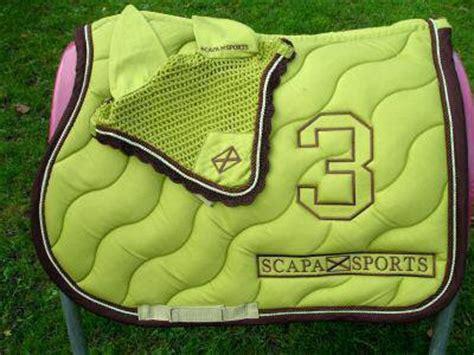 tapis cheval vert pomme mes recherches scapa sports 2007 vente d equipements d equitations pour chevaux pon