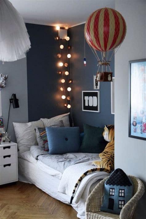 theme chambre garcon oświetlenie pokoju dziecięcego