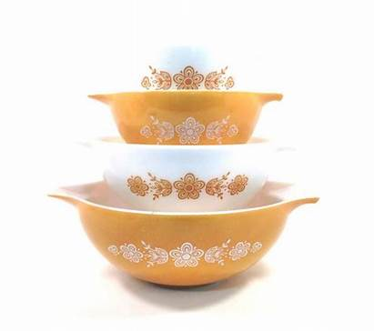Mixing Pyrex Bowls Butterfly