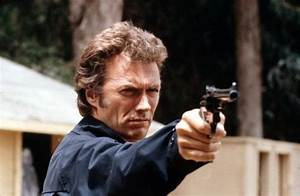 """Dirty Harry"" (Clint Eastwood) auf Verbrecherjagd (mit ..."