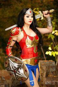 Gladiator Wonder Woman Cosplay