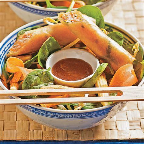 cuisine thailandaise recettes salade thaïlandaise et rouleaux croustillants recettes