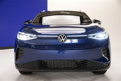 Driving the 2021 Volkswagen ID 4, VW's first all-electric ...