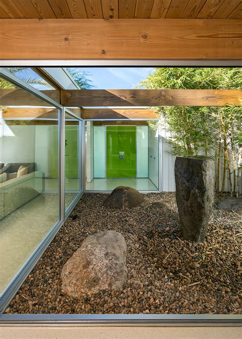 A Mid Century Desert Oasis In Palm Springs by A Mid Century Desert Oasis In Palm Springs