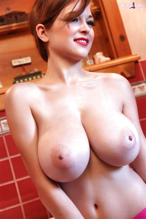 Gorgeous Redhead Babe Tessa Fowler Reveals Her Fantastically Big Tits