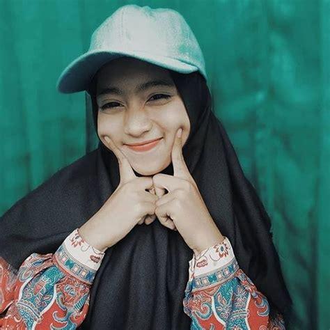 koleksi terbaru hijab mentahan background quotes keren