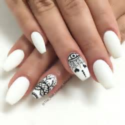 Black white matte nail art design