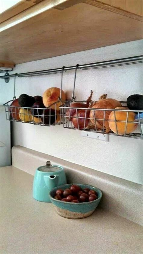 Le rangement mural comment organiser bien la cuisine? - Archzine.fr