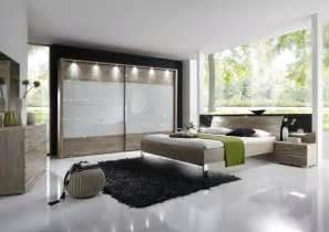 schlafzimmer komplett mit boxspringbett wiemann schlafzimmer set 4 eiche sägerau komplett mit zubehör schlafzimmer set