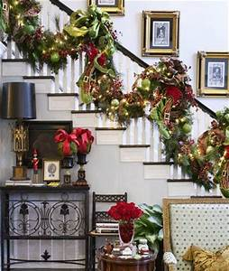 A Whole Bunch Christmas Staircase Decorating Ideas
