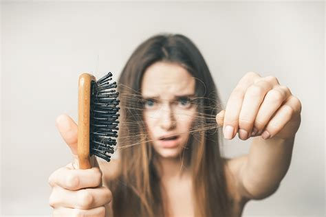 5 Causes of Early Hair Loss in Your 20's and 30's - Hosbeg.com
