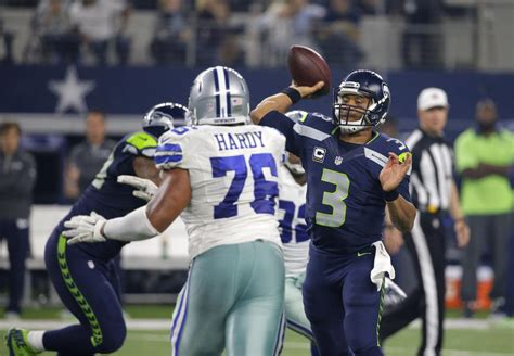 halfway   season struggling seahawks poised