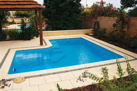 alfresco swimming pool    aqua technics