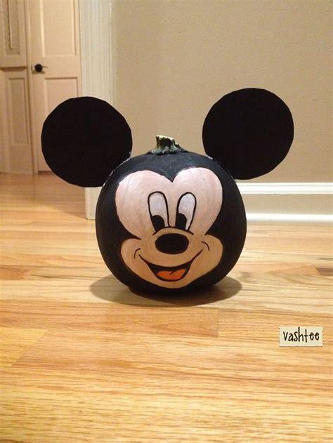 mickey mouse pumpkin ideas mickey mouse pumpkin painting halloween pinterest