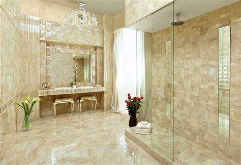 Badezimmer Fliesen Bilder Mit Keramikfliesen In Beige