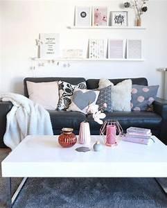 Rosa Deko Wohnzimmer : 1000 ideen zu graue sofas auf pinterest lounge decor familienzimmer dekoration und grauer ~ Frokenaadalensverden.com Haus und Dekorationen