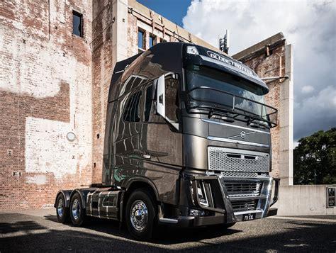 volvo trucks australia volvo trucks teases concept fh xxl cab behind the wheel