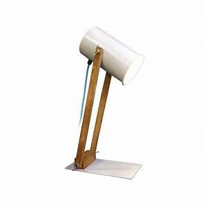 Lampe Bureau Bois : lampe de bureau en bois design design de maison design de maison ~ Teatrodelosmanantiales.com Idées de Décoration